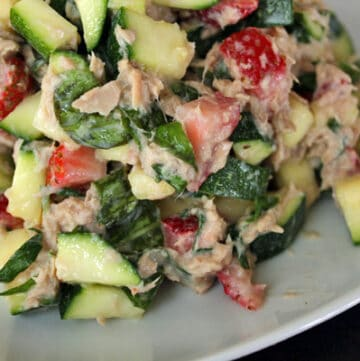 Tuna Salad with Zucchini and Strawberries Close Up