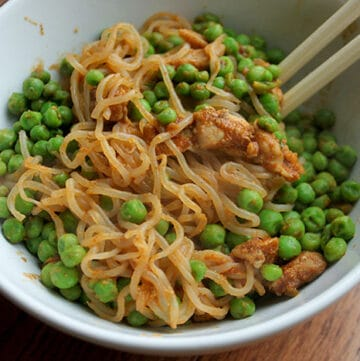 Bowl of Shirataki Noodles with Peas and Chicken