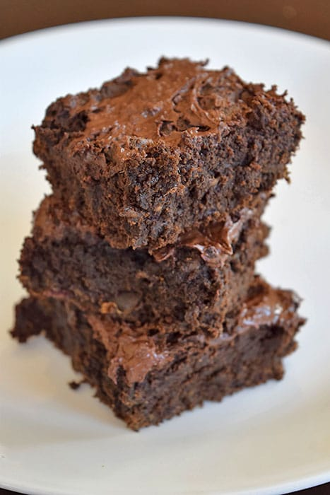 """""""Healthy"""" Brownies Made With Avocado and Dates!"""