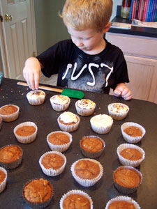 Quick & Light Pumpkin Spice Cupcakes with Cheesecake Frosting - frosting