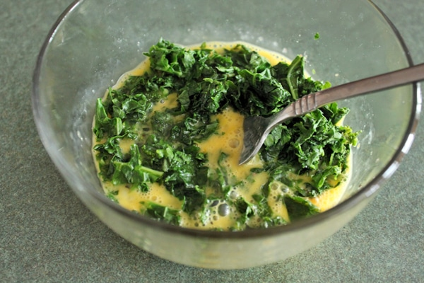 Mix kale and eggs