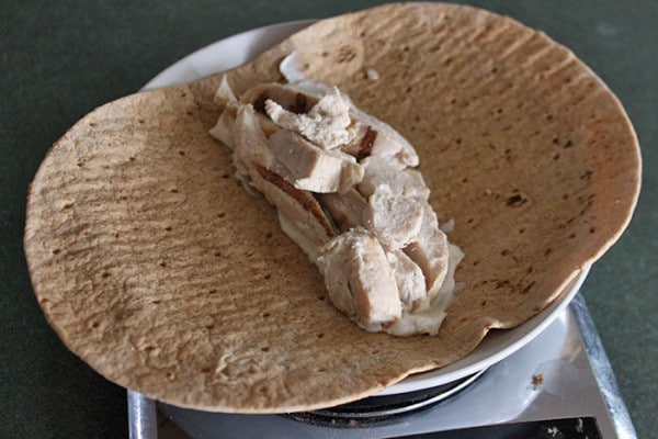 Chicken and yogurt on flat bread