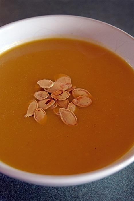 5-ingredient Ginger Spiced Pumpkin Soup
