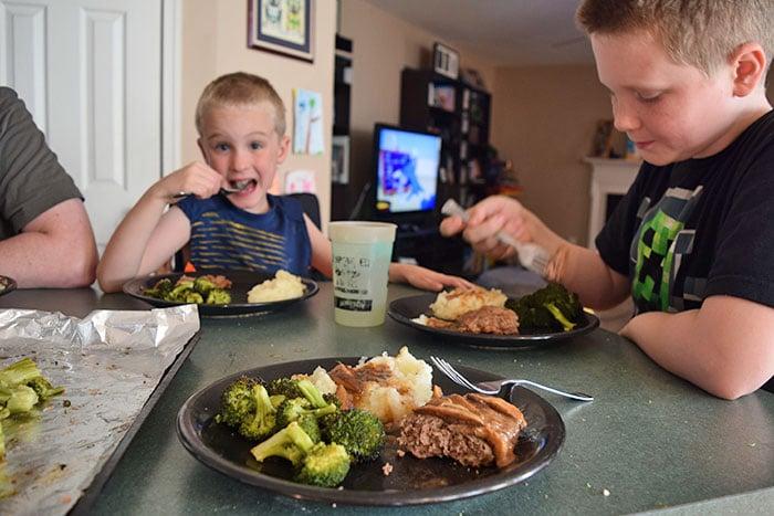 Kids eating!