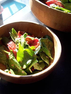Roasted Red Pepper and Spinach Salad