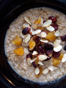 Green Tea Oatmeal with Dried Fruit and Slivered Almonds