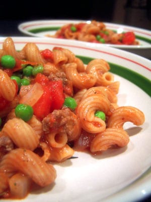 Simple Beef-a-Roni with Peas