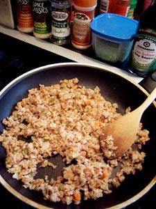 Idea: Fried Bulgur with Peas and Pomegranate  Step 2