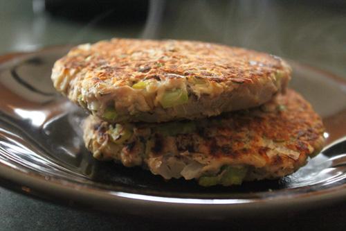 Lemon Thyme Tuna Burgers - done